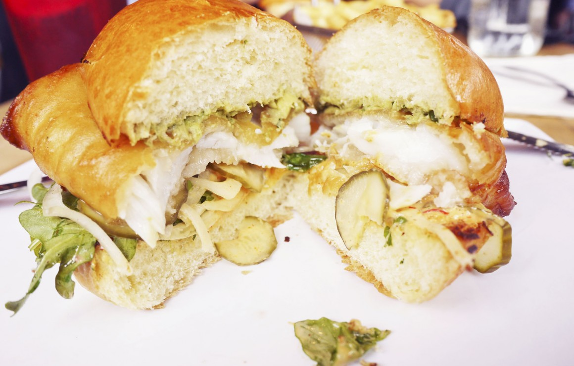 8oz-filet fish burger