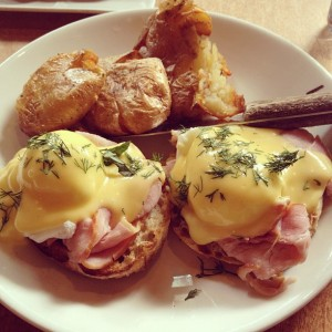 Eggs Benedict from Lola(圖片來源:SeattleGPS Intagram)