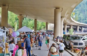 photo credit : under the freeway flea market
