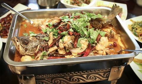 不麻不辣不成活:China First的重口味傳說